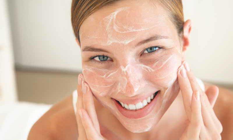 Indi Hair. Extensiones de cabello natural en República Dominicana. Tips para el cuidado de la piel: Rutina facial diaria.